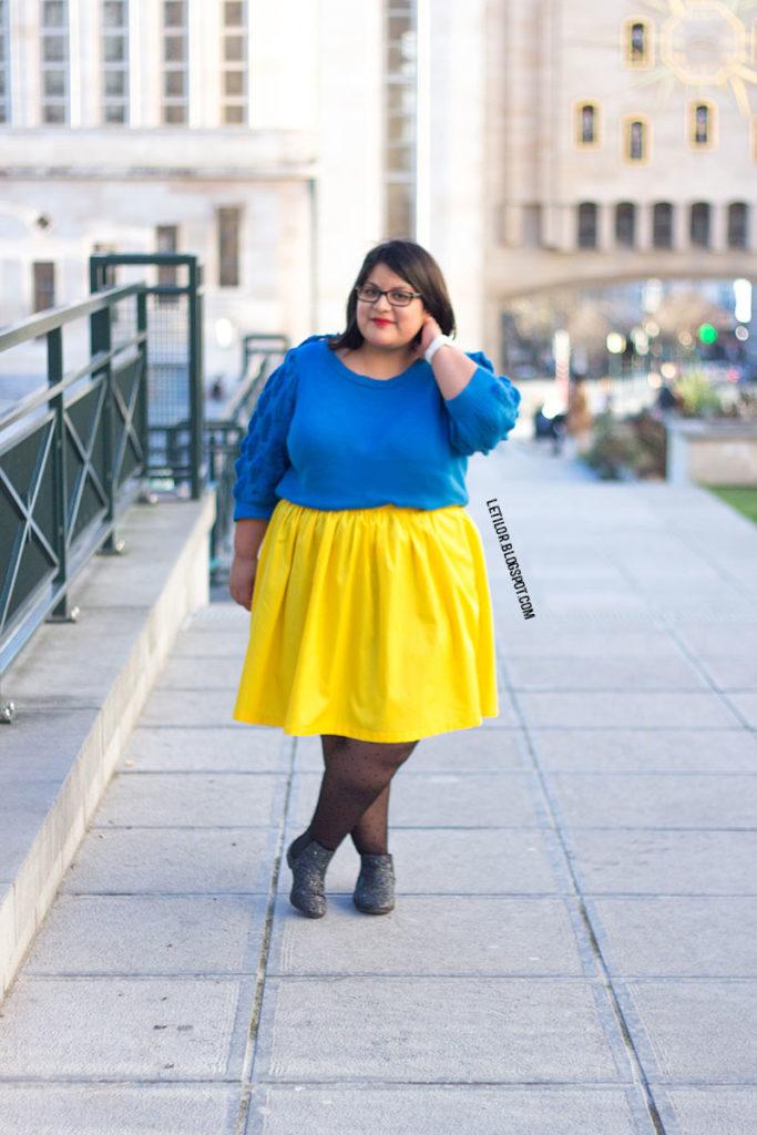 Tenue grande taille bleu et jaune par Letilor blog mode belge