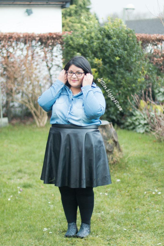 Letilor tenue French curves , thème statement collier
